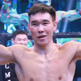 """Nuerdebieke """"Tianshan of leopard"""" Bahetihan"""